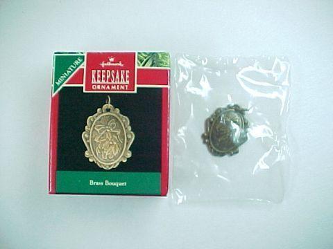 Hallmark  Keepsake Miniature -Brass Bouquet- Mini Ornament -QXM5776 -1990