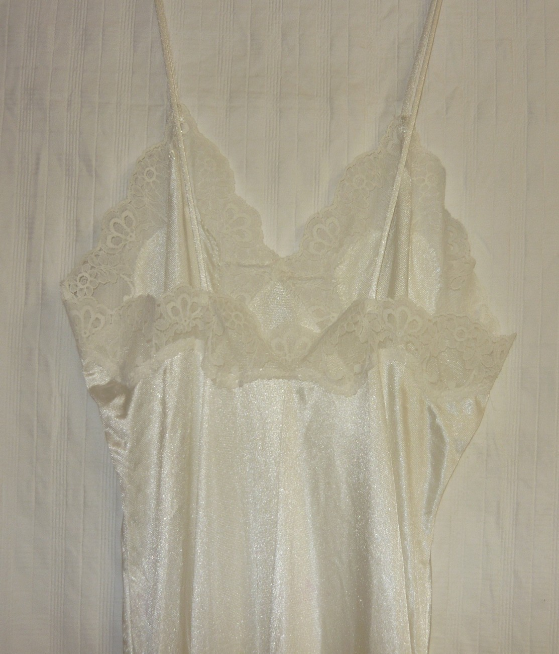 White Vintage Lace Trimmed Nightgown sz.S