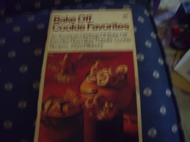 1969 Pillsbury Bake-Off Cookie Favorities Cook Book for Christmastime - $5.00