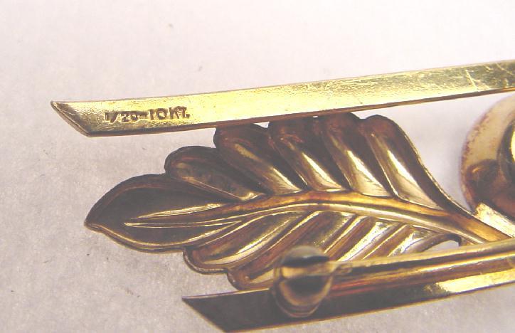 MID-CENTURY BAR PIN
