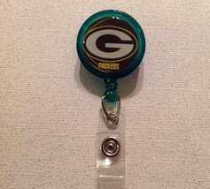 Nfl Green Bay Packers Badge Reel Id Holder green yellow alligator clip  new - $6.95