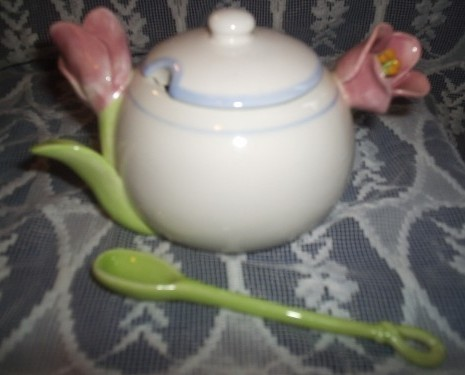 Avon Collector Sugar Bowl Tulip Handles With Spoon and Lid