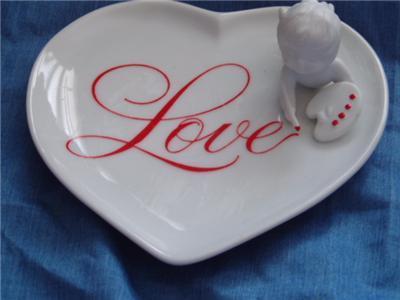 AVON Cupids Message Porcelain Dish Heart Valentine 1984