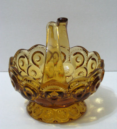 L.E. Smith Moon and Stars Split Handle Amber Basket