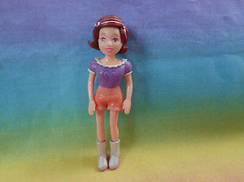 Polly Pocket Mattel Girl Doll Brown Molded Hair Purple Top Peach Shorts ... - $2.23