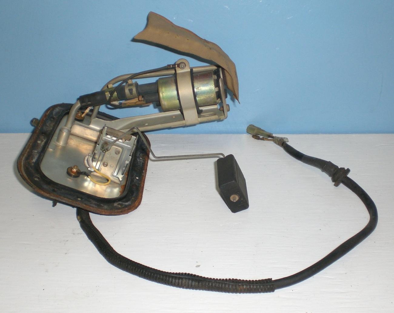 94 Geo Metro Gas Fuel Pump And Sending Unit 167500-0068