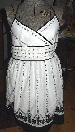 Dress white 01