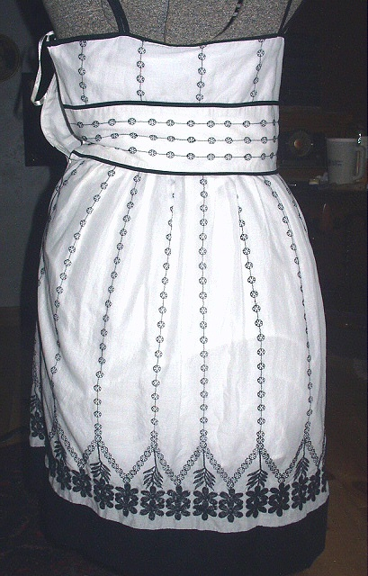 Ann Taylor White Embroidered Sun Dress-Size 6