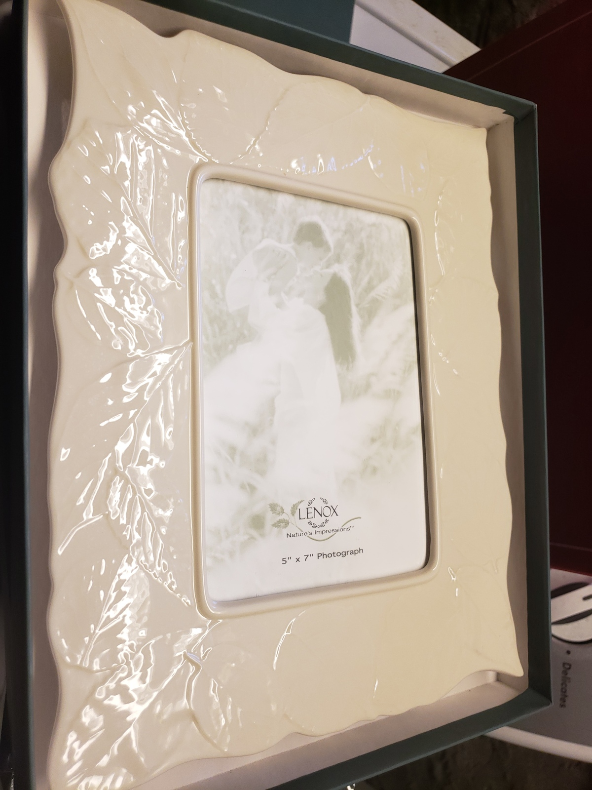 Brand New Lenox picture frame 5*7- Digital Photo Frames