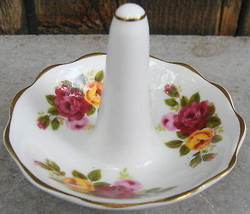 Royal Albert Old Country Rose Fine Bone China Ring Jewelry Holder - €15,97 EUR