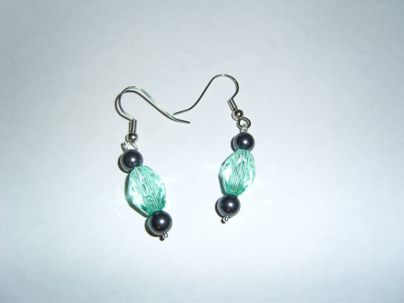 Handmade blue beaded earrings with swarovski black pearls