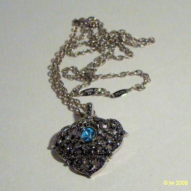 Avon Silvertone Enhancer Pendant & Chain