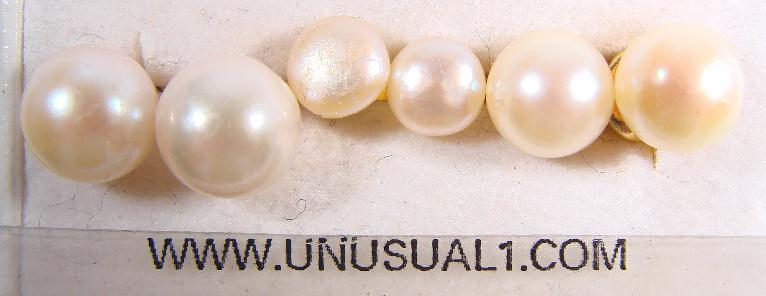 LOT - CULTURED PEARL EARRINGS