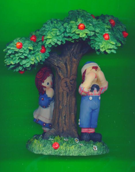Limited Edition Raggedy Ann and Andy~Peek-a-Boo Enesco