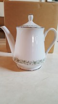 Mikasa Fine China Montclair TEA/COFFEE Pot -G 9059 - Floral Design -HOLDS 6 Cups - $14.70
