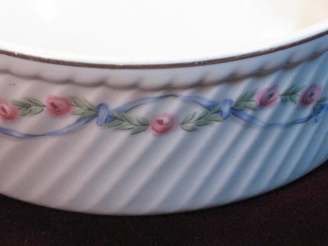Hall China Wildfire French Fluted Baker or Casserole Vintage Kitchenware