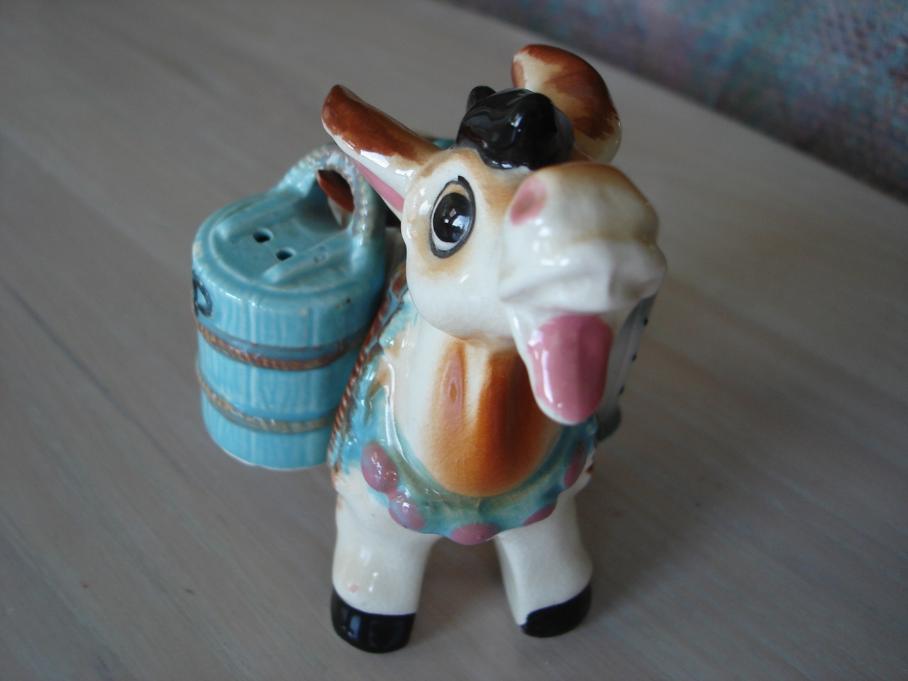 Vintage 1976 Donkey Figurine Salt, Pepper Holder