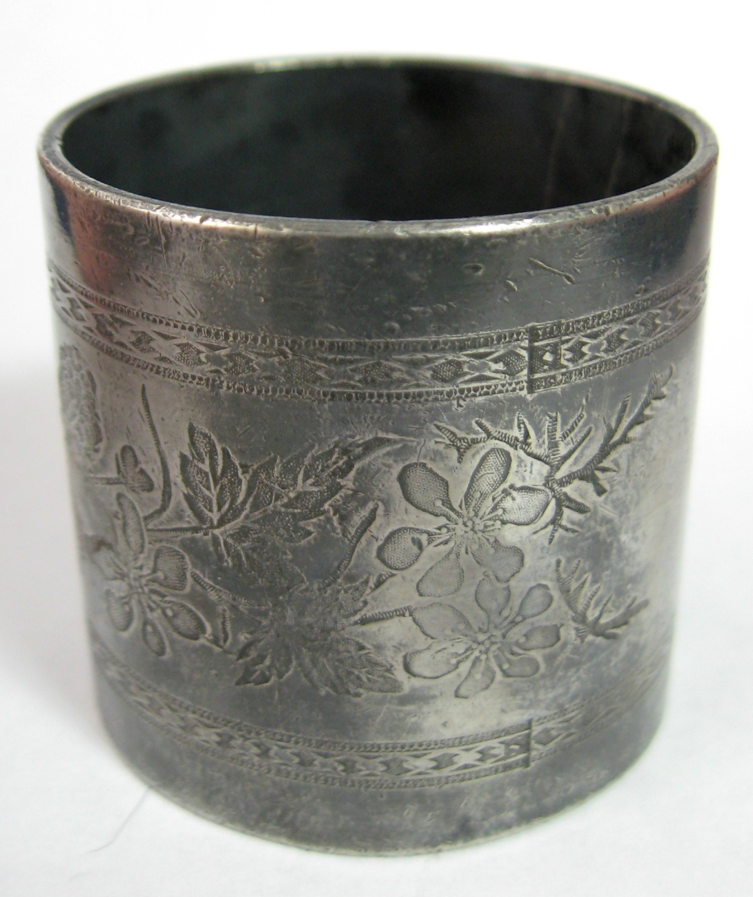 antique napkin ring engraved floral silver plated