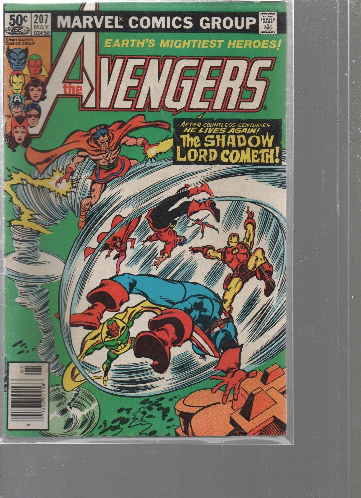 Avengers #207  - May 1981  Marvel Comics Beyond a Shadow - We Combine Shipping.
