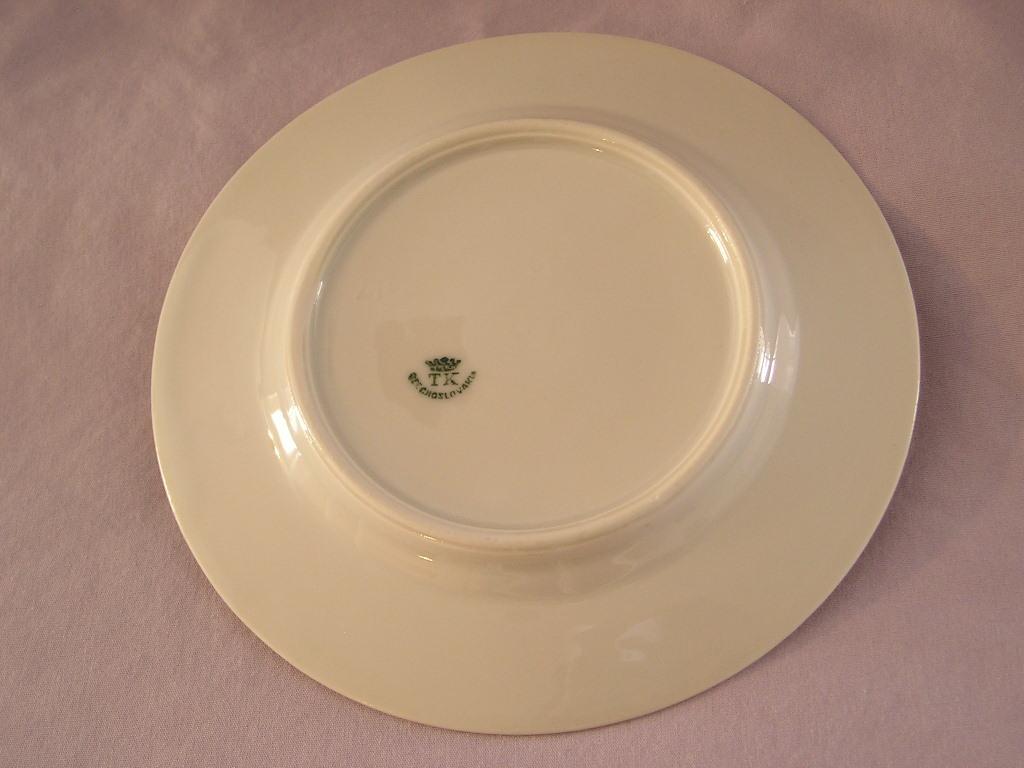 TK (Thun) Czechoslovakia Bread Plate