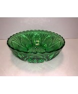 "VINTAGE Anchor Hocking Cameo & Star Forest Green Scalloped Serving Bowl 8"" - $15.00"