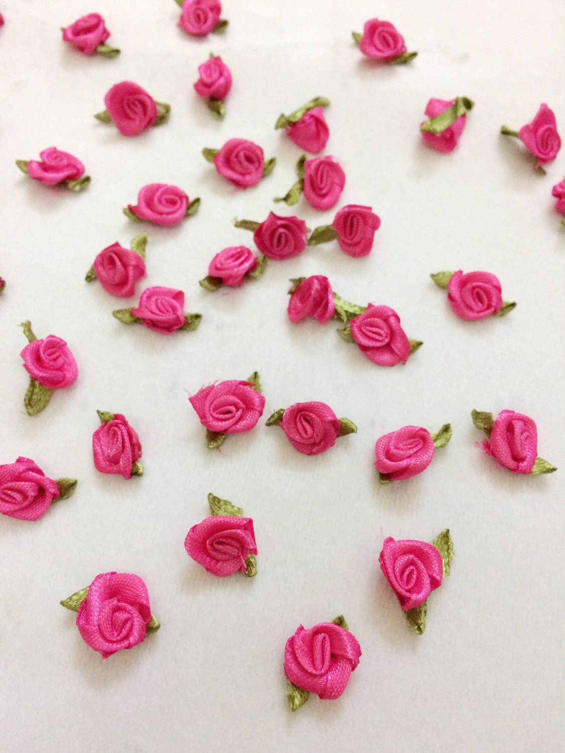 50 Hot Pink Satin Roses,Mini Rose Buds with Leaf,Craft Flowers,Sewing Supplies