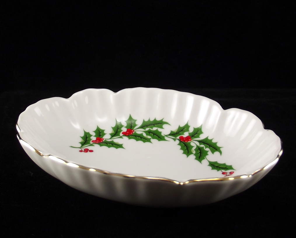 Porcelain candy dish All the Trimmings holly bowl Macy's 1980s vintage
