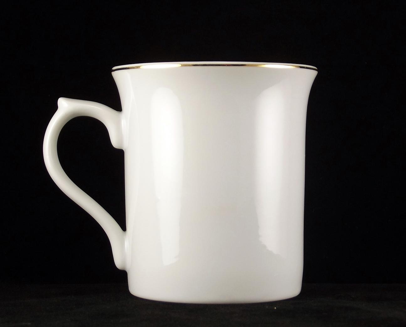 Vintage porcelain mug Christmas old fashioned Santa Claus design made in Japan