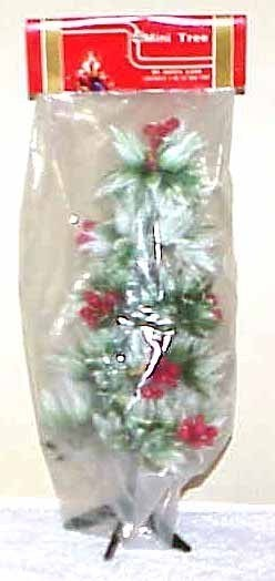 Vintage 11-inch Plastic Holly Tree - Taiwan NOS - $6.99