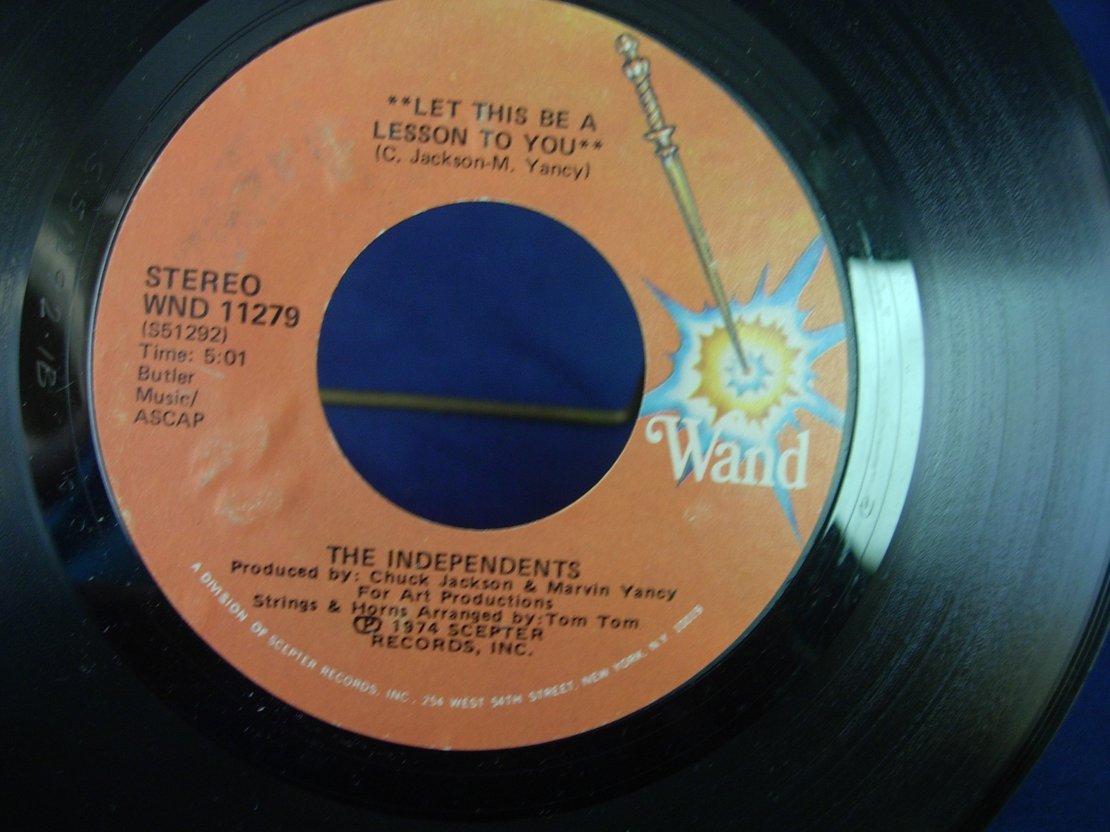 Independents - Let This Be a Lesson / No Wind No Rain - Wand WND 11279