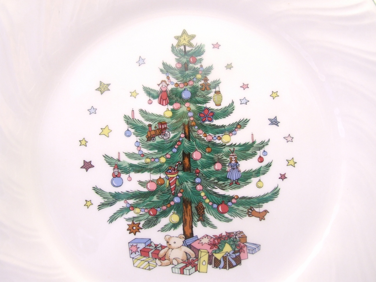 Happy Holidays Nikko Japan Christmas Tree Dinner Plate - Other