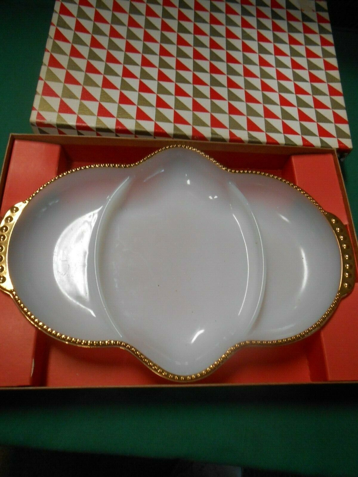 """NIB- Great OVEN FIRE KING Serving Divided Dish..11"""" x 7"""" - $9.49"""