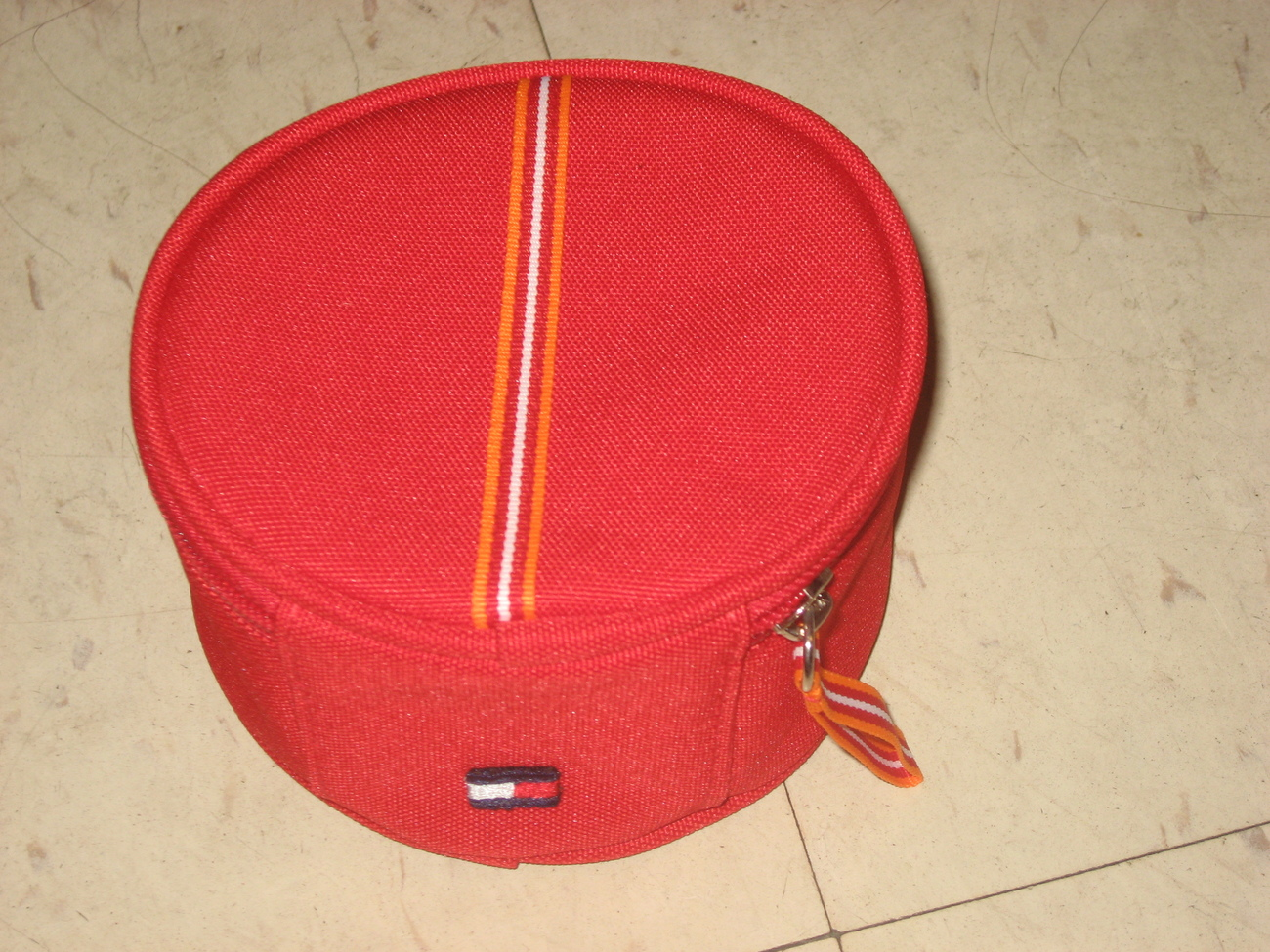 Tommy hilfiger small makeup case