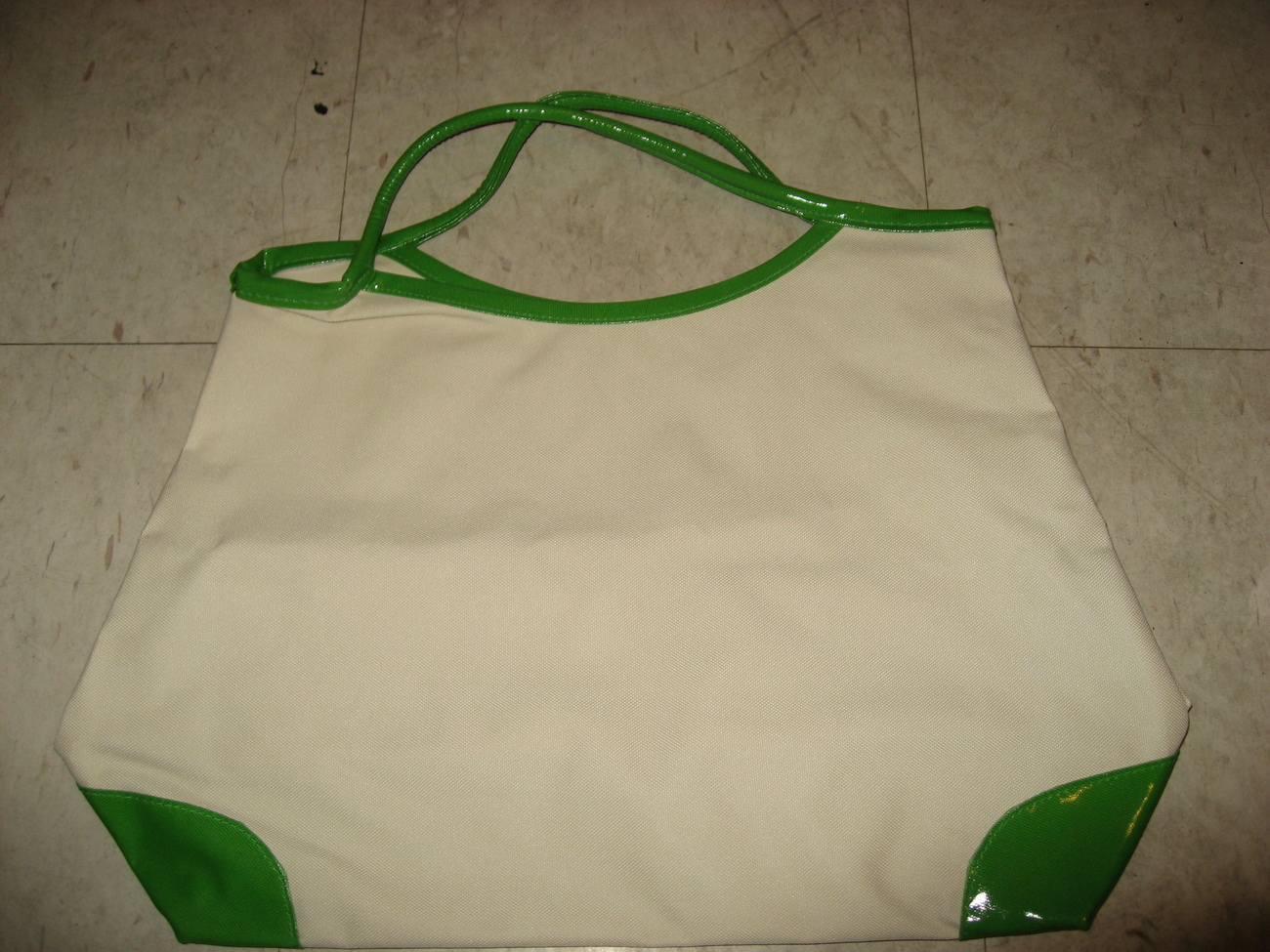 Clinique white green tote bag 1