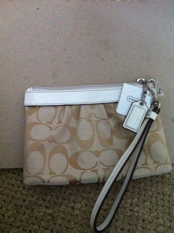 Coach Ladies Signature Pleated Wristlet Bag #44678 NWT