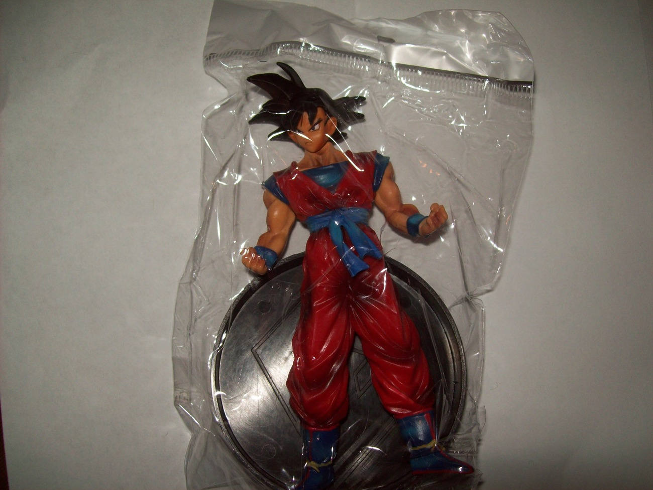 "FREE SHIP goku dragonball z figure brand new in bag 4.5"" w/ stand"