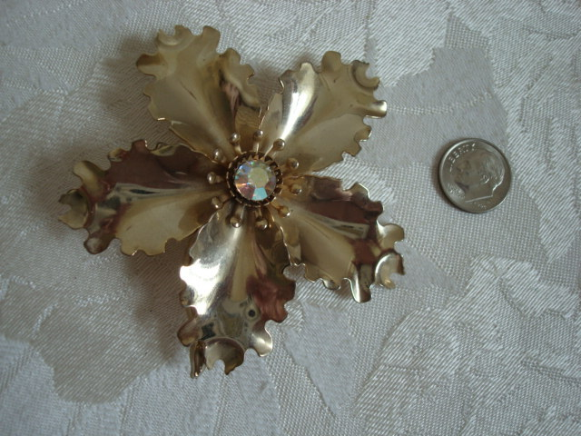 Big Vintage Gold-tone Flower Pin ~ Brooch ~ AB Rhinestone ~