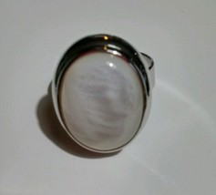 Smooth Oval Mother Of Pearl Fashion Jewelry Adjustable Ring - $13.37