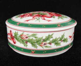 Lefton Christmas Rose Porcelain Round Covered Candy Dish Trinket Box Japan 07675 - $23.50