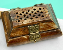Vintage Carved Bone Brass Hinged Pierced Trinket Jewelry Box India - $22.95