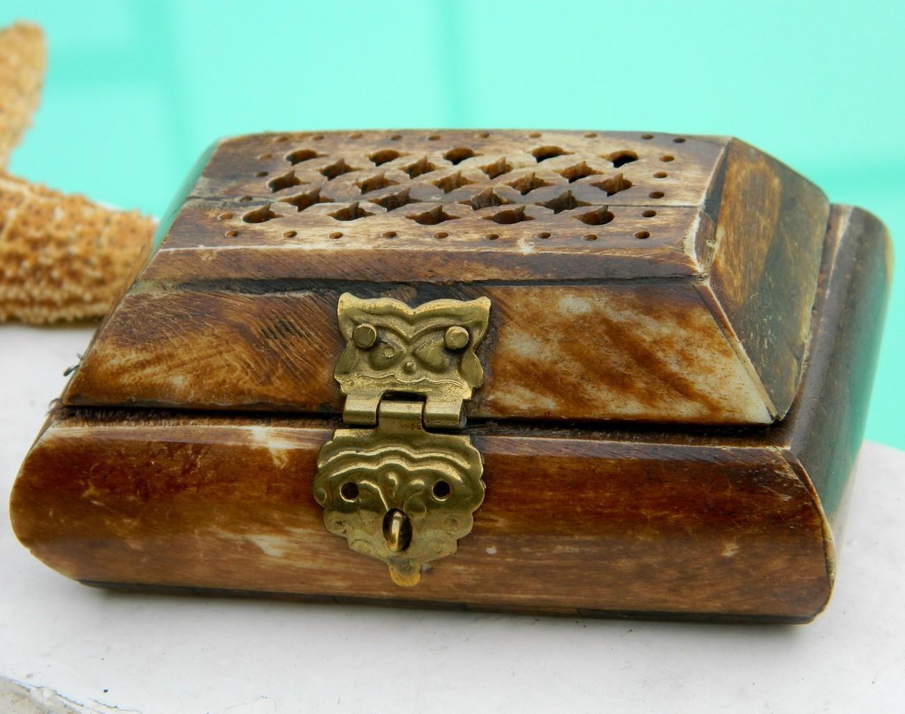 Antique Ivory Trinket Box Vintage oriental jewelry trinket box