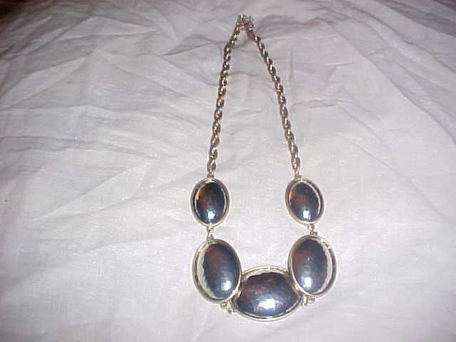 Primary image for WOMANS 26 INCH NECKLACE - BRAND NEW