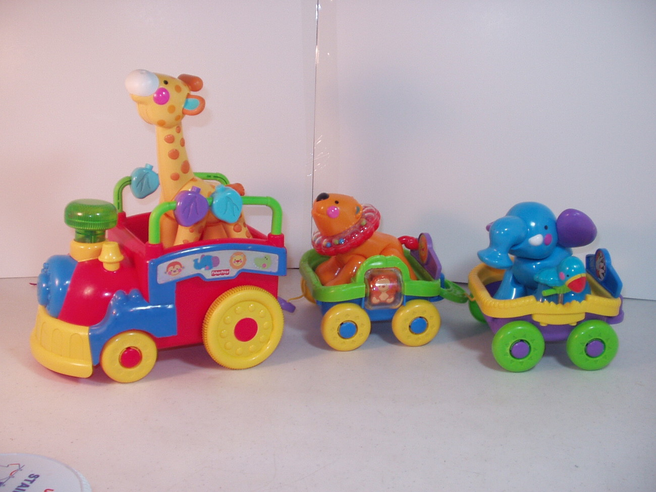 Fisher Price Great Adventure Animal Train Giraffe Elephant Lion Zoo or Circus Tr