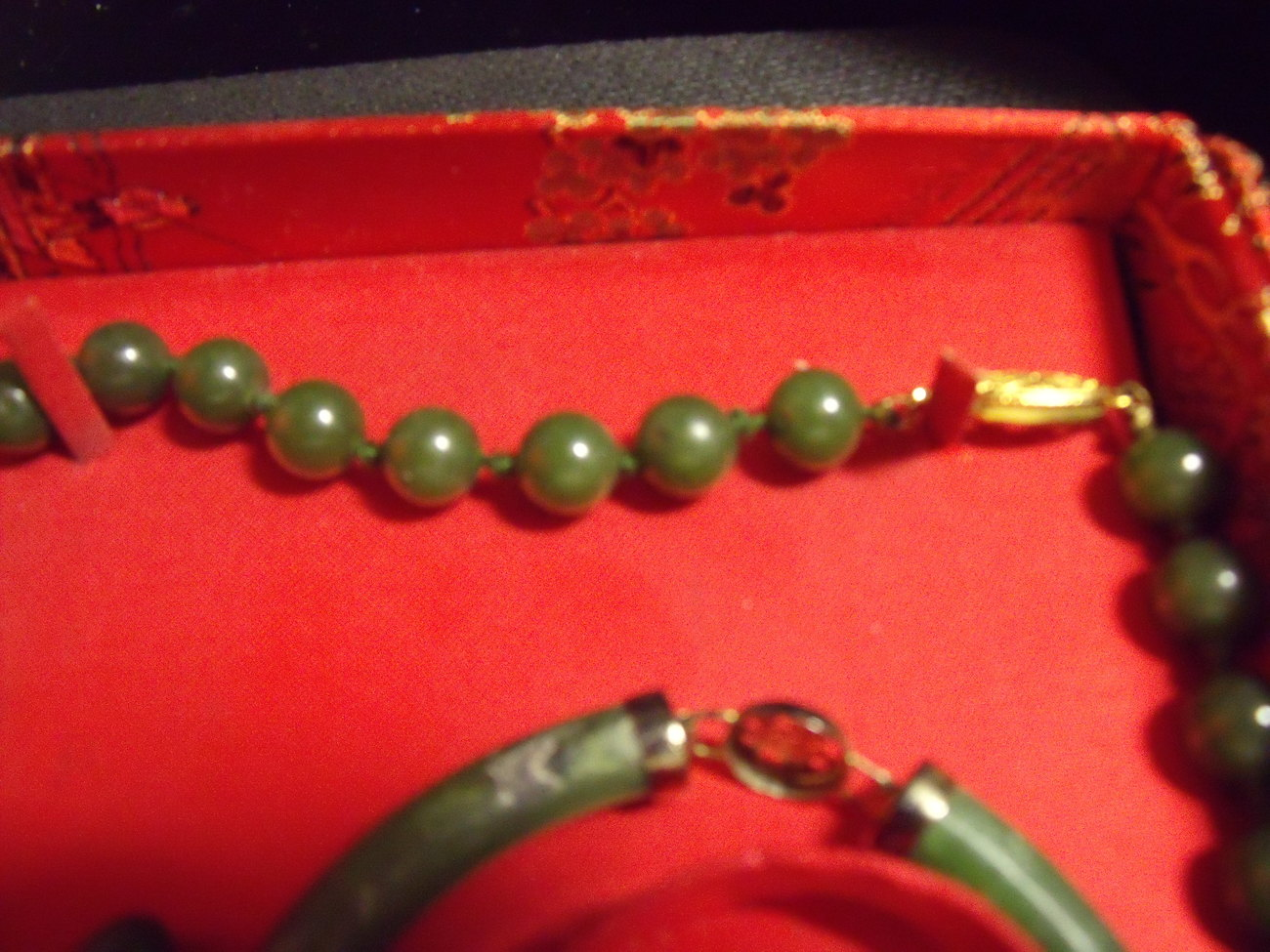 Jade necklace, bracelet and earring set in box-vintage