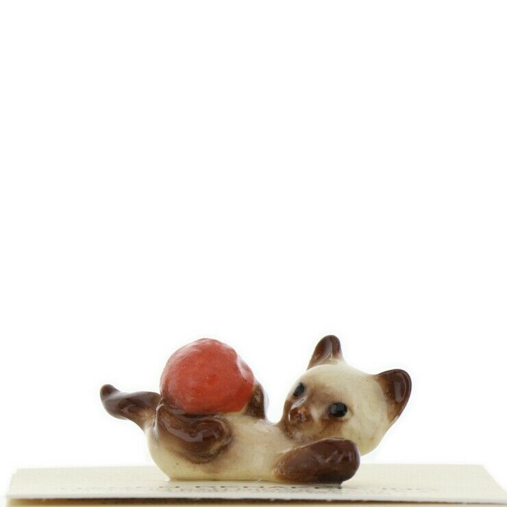 Hagen Renaker Miniature Cat Siamese Kitten with Yarn