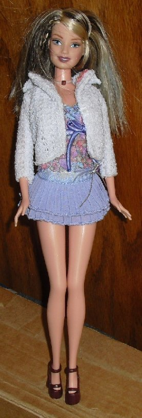 BARBIE Fashion Fever Doll blonde w/streaks dressed
