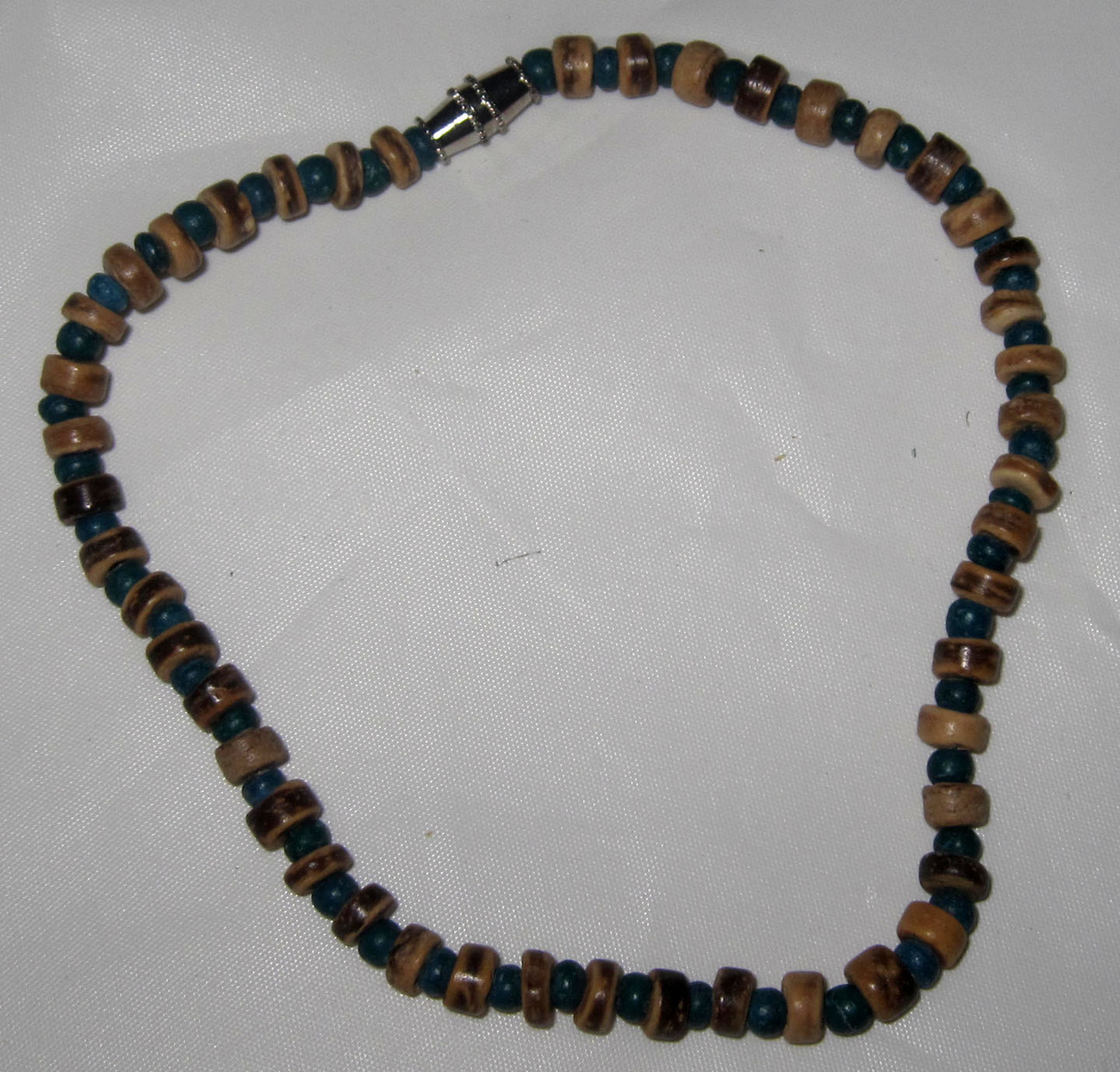 New wholesale lot dozen wooden bead bracelets green for Costume jewelry sold by the dozen