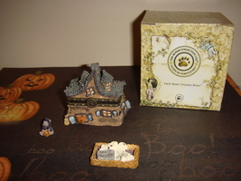 Boyds Bears Treasure Box Boris Haunted House W/Wiz McNibble - $36.99