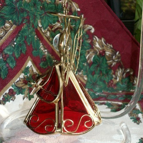 Beautiful GOLD WIRE and RED GLASS ANGEL with MANDOLIN Christmas Ornament - Wow!