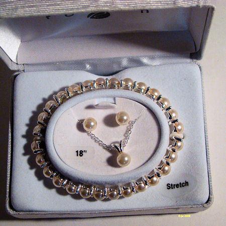Faux Pearl Pendant Bracelet and Earrings